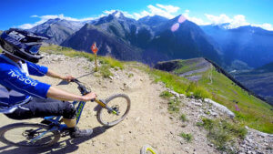 666-lower-bike-trail-les-2-alpes-bike-park-photo-4-HD