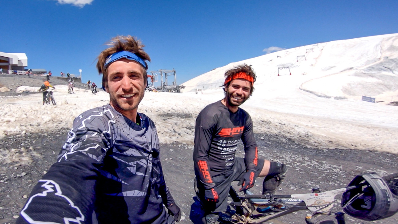 Damien Desbrosses and Maxime Ciriego filiming the Mountain of Hell course preview for owlaps
