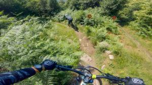 Singletracks bike park, plan des pistes VTT avec vidéos owlaps, Piste B-line