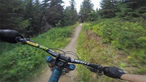 Les Saisies bike park, plan des pistes VTT avec vidéos owlaps, Piste rouge Dré dans l'pentu - video owlaps